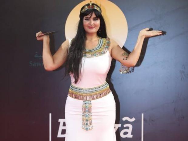 إطلالة سما المصري الفرعونية بافتتاح مهرجان القاهرة تثير الجدل