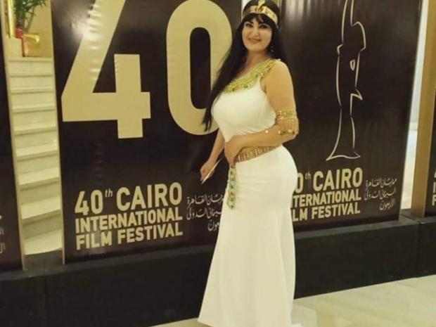 إطلالة سما المصري الفرعونية بافتتاح مهرجان القاهرة