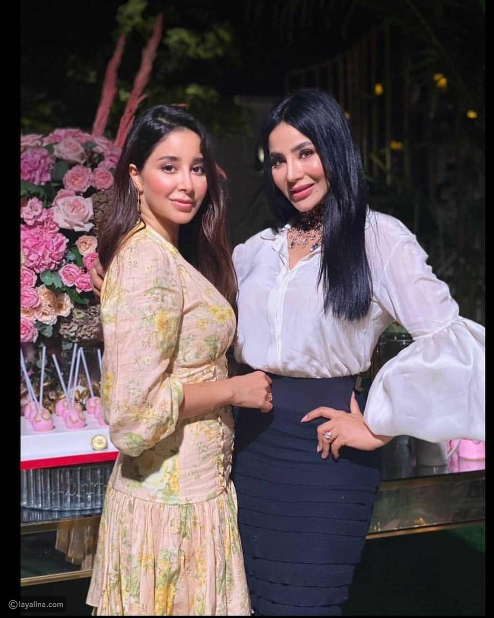 لجين عمران مع أسيل شقيقتها في عيد ميلادها