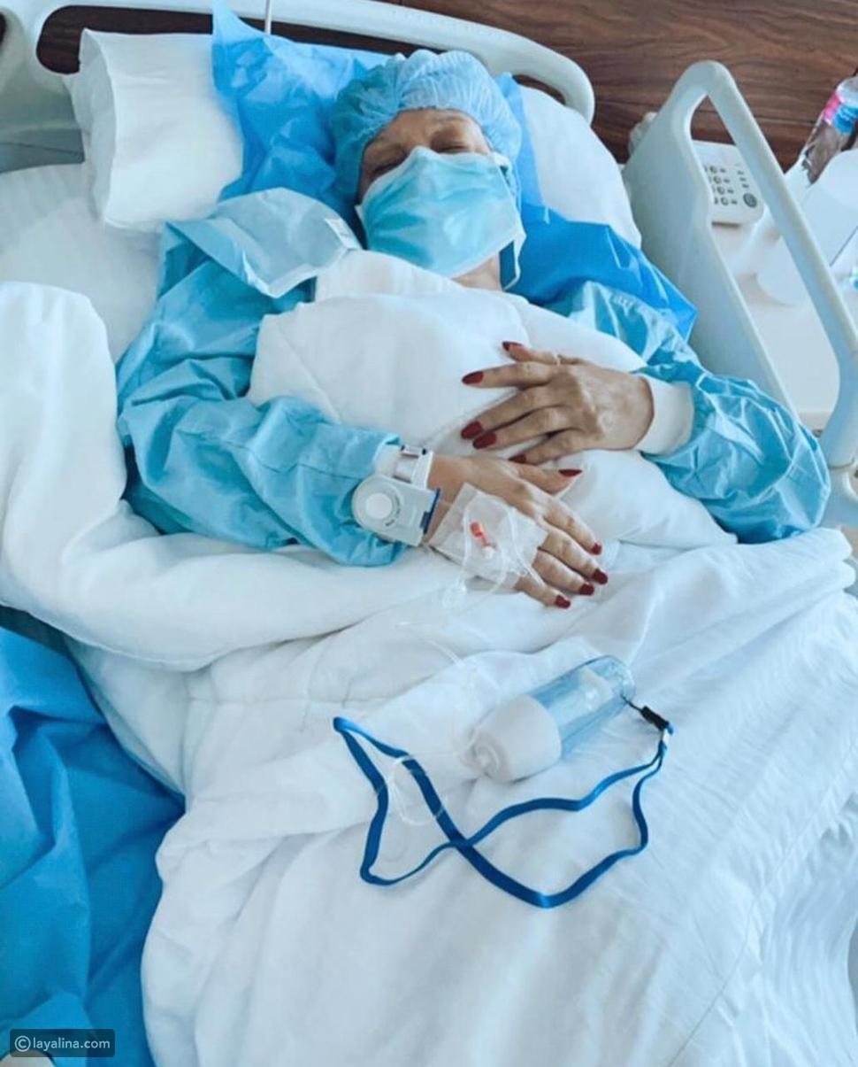 ابنة فيفي عبده تصدم الجمهور بصورة والدتها في المستشفى: ادعوا لأمي