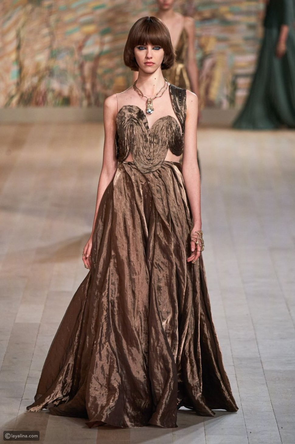 فستان من مجموعة Dior هوت كوتور 2021