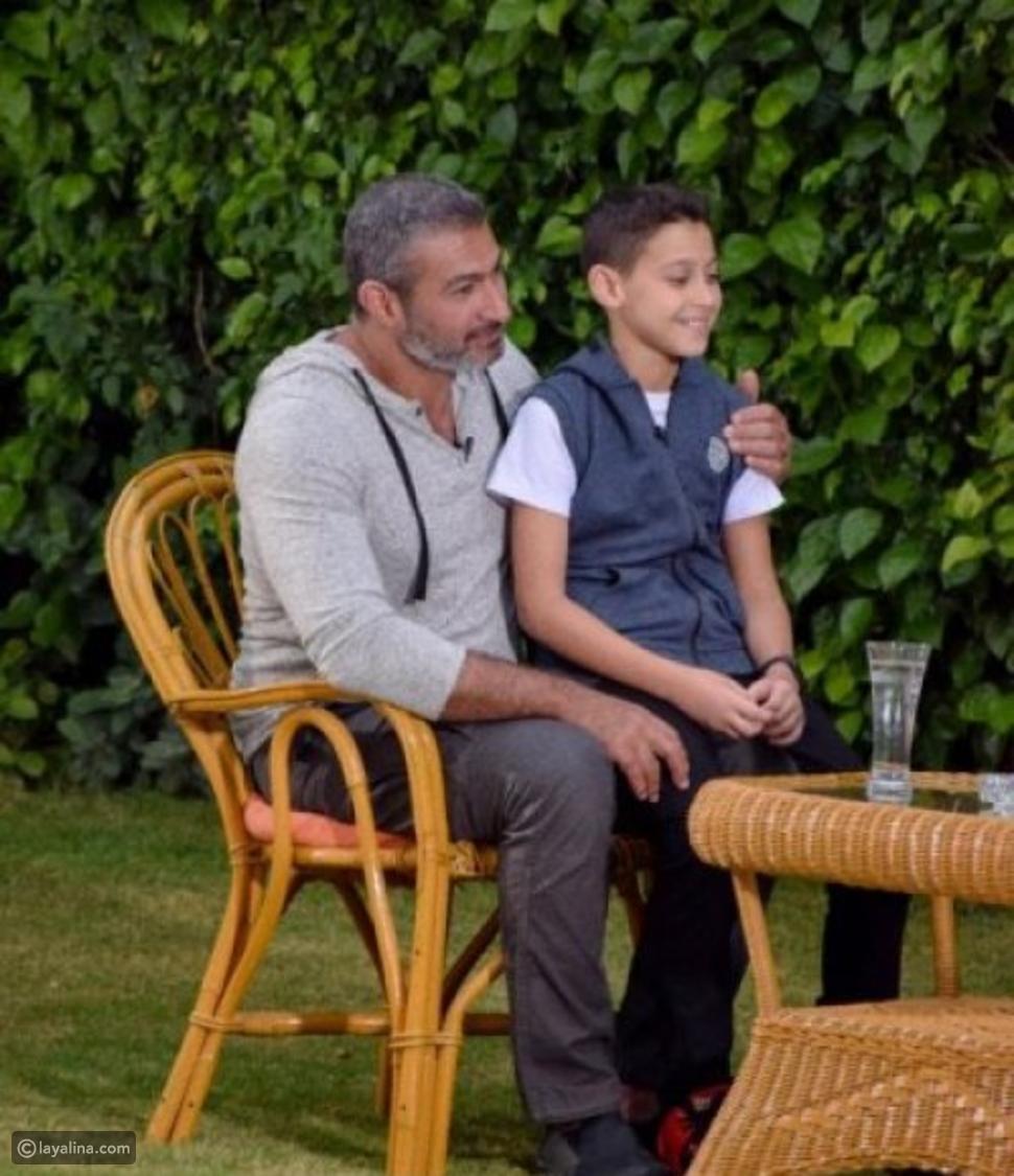 صور تكشف الشبة بين ياسر جلال وأبناءه