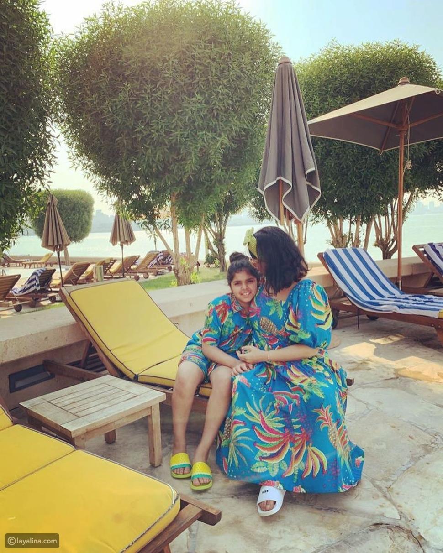 نوال الكويتية وابنتها حنين من المصيف
