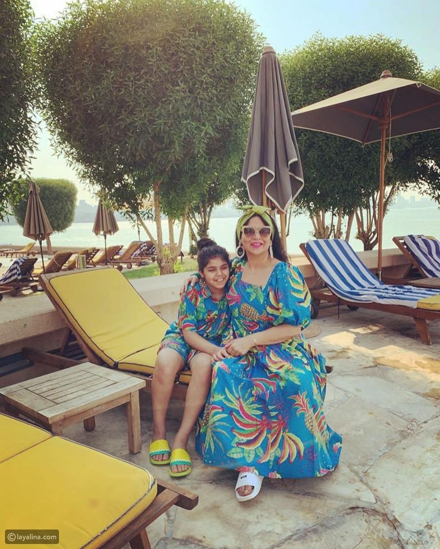 نوال الكويتية في صور عفوية مع ابنتها حنين