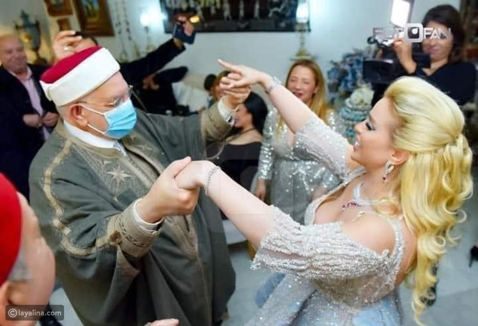 صورة رقص الشيخ عبد الفتاح مورو في حفل خطوبة مريم بن مولاهم تثير الجدل
