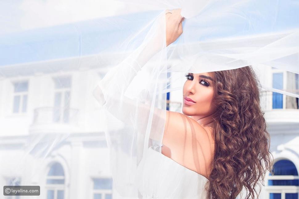 صور ياسمين صبري تخرج من كعكة زفاف في أحدث جلسة تصوير!