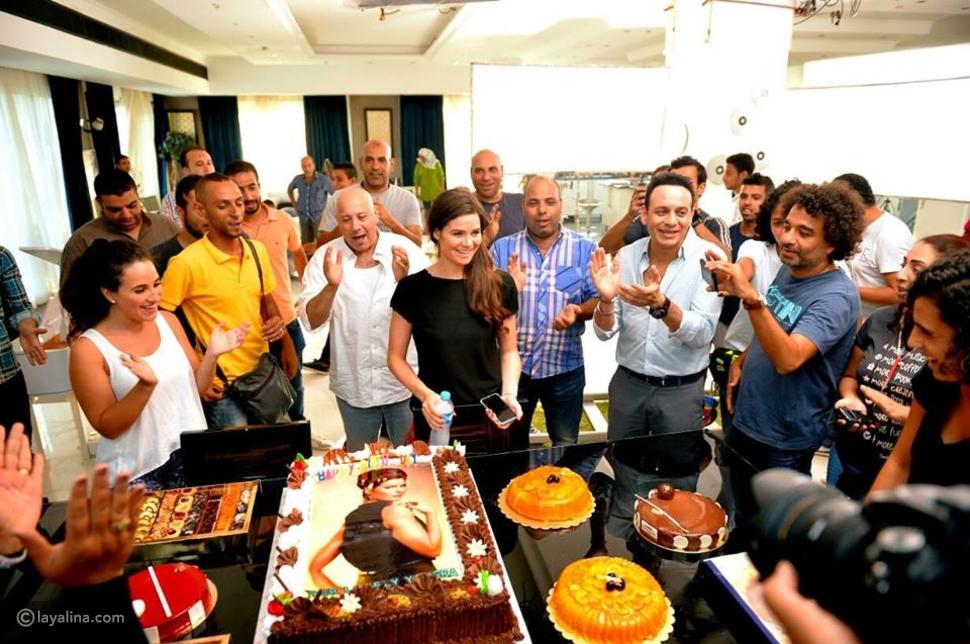 صور مصطفى قمر يفاجئ يسرا اللوزي بالاحتفال بعيد ميلادها فكيف كان رد فعلها؟