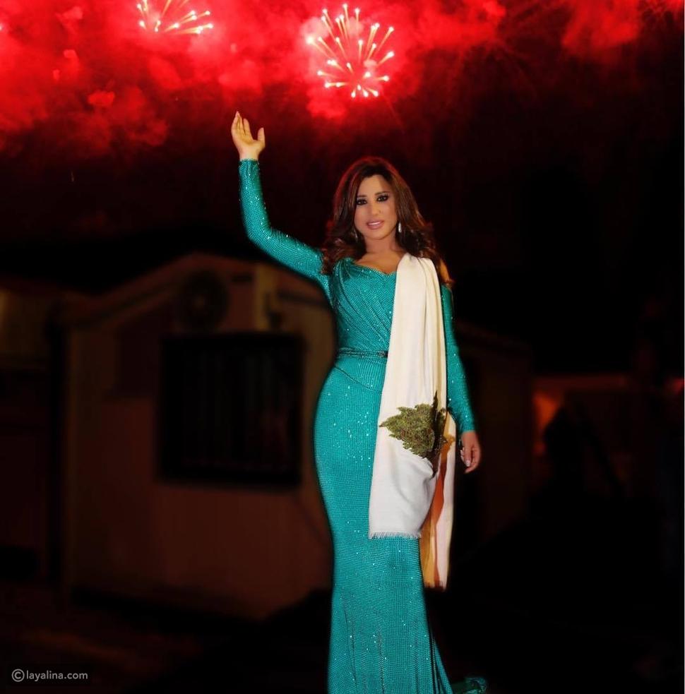 فستان نجوى كرم باللون الأخضر في مهرجان الأرز الدولي
