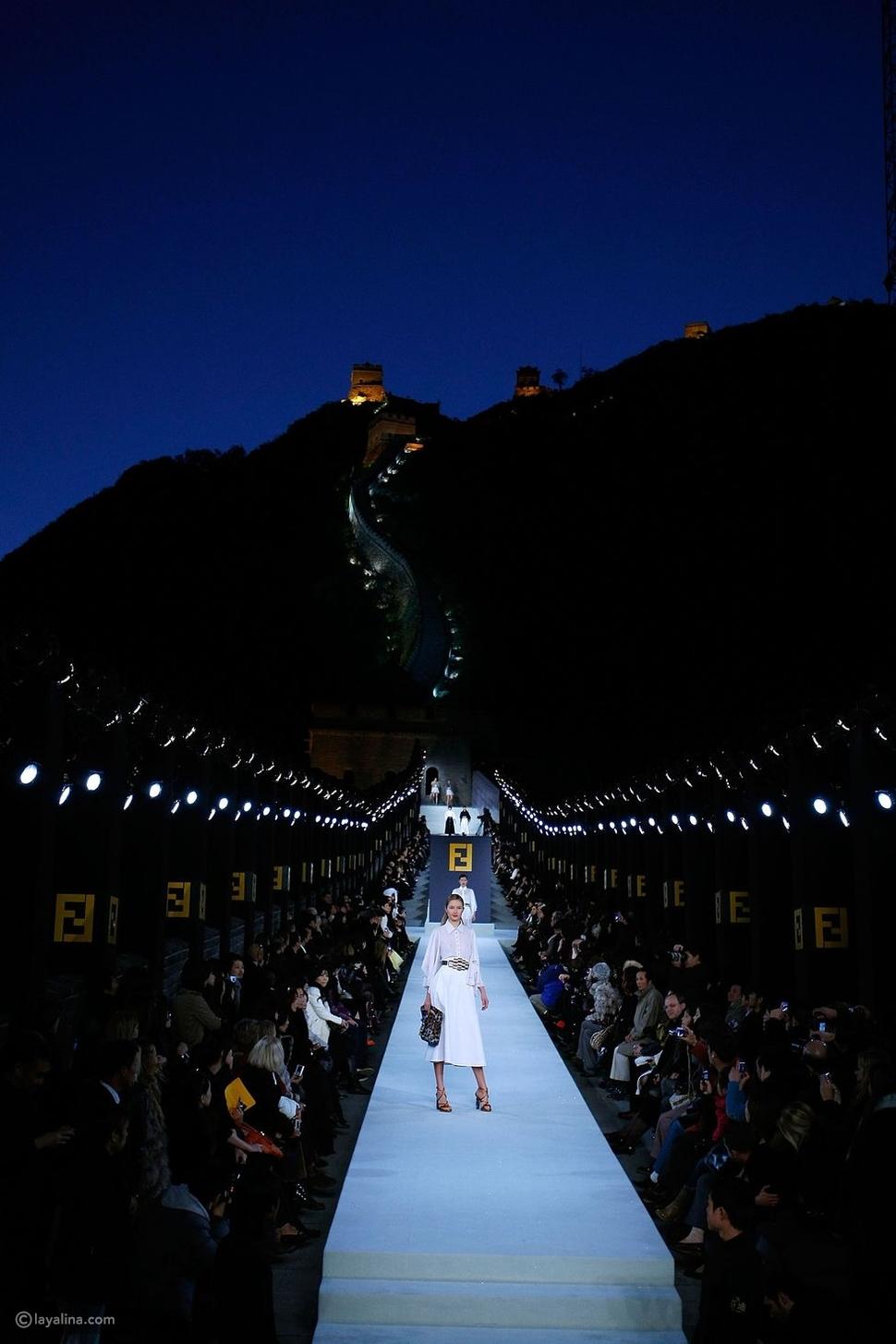 عرض أزياءFendi فيسور الصين العظيم