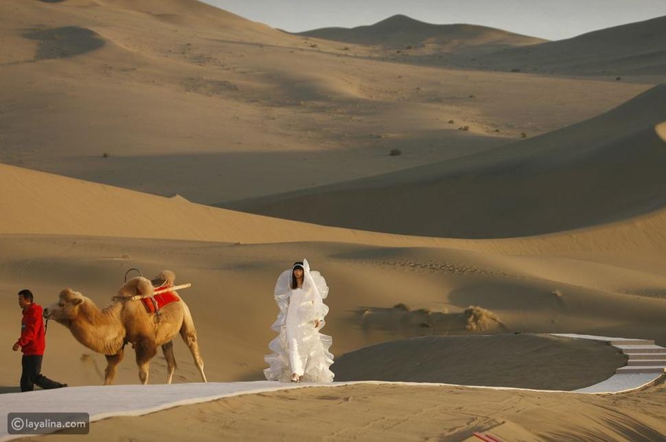 عرض أزياءPierre Cardin الصحراء
