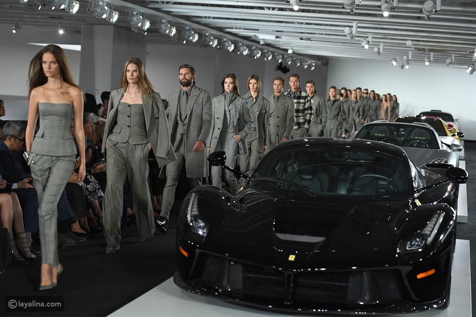 عرض أزياء Ralph Laurenفي مرآب سيارات