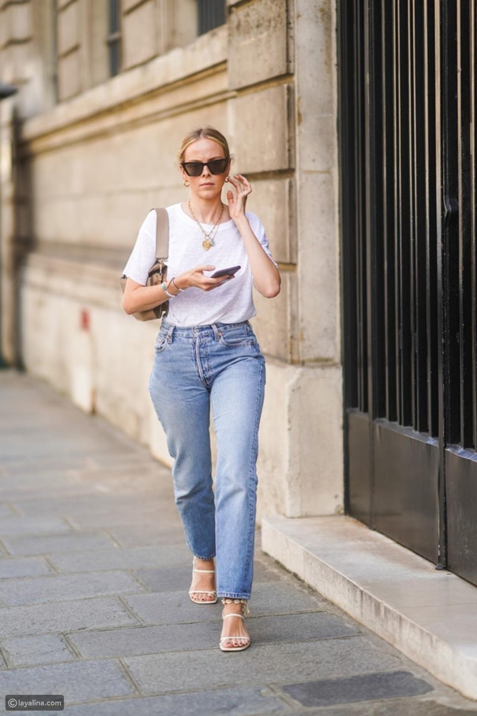 جينز عالي الخصر مع صندل Strappy