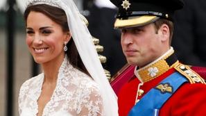 بالصورة: أمريكيان يقلدان زفاف الأمير ويليام وكيت ميدلتون فهل يشبهونهما؟