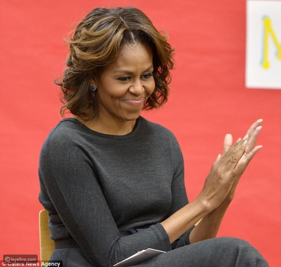 صور ميشال أوباما تصبغ شعرها بالأشقر