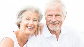 علاج الشعر الأبيض أو تحويله لمصدر جاذبية؟