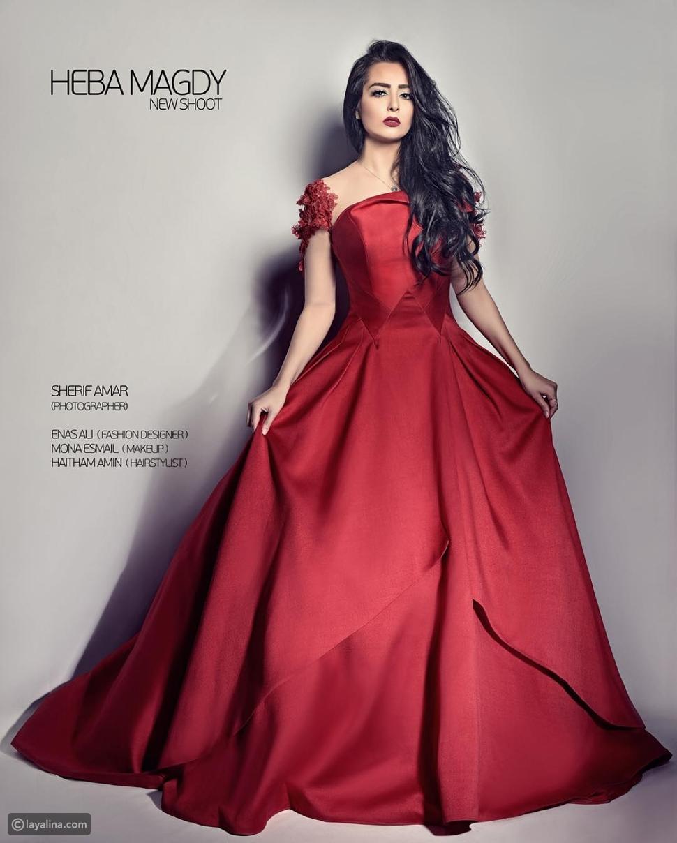 صور هبة مجدي بإطلالة حمراء تحولها إلى أميرة