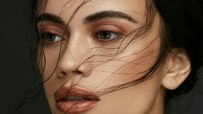 طريقة دمج مكياج العيون والآيشادو