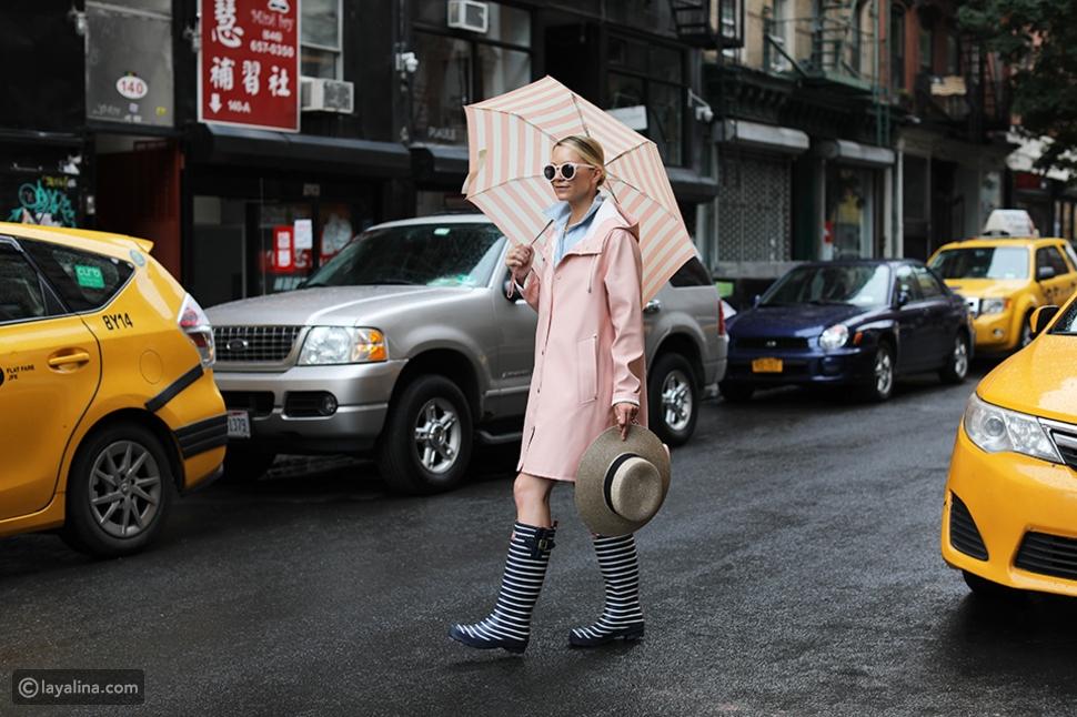 إطلالة كاملة من أزياء المطر