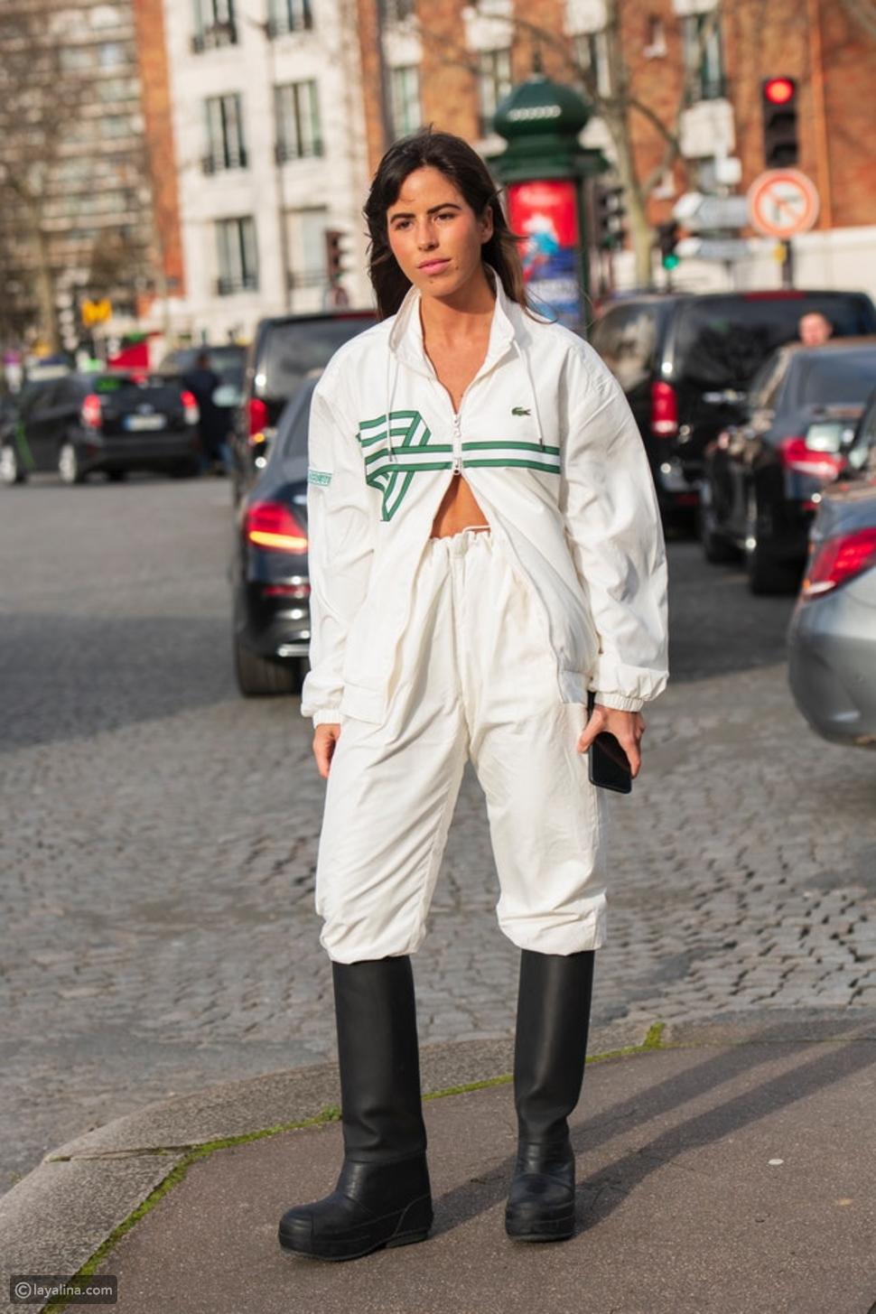 أزياء رياضية مع الأحذية المطاطية