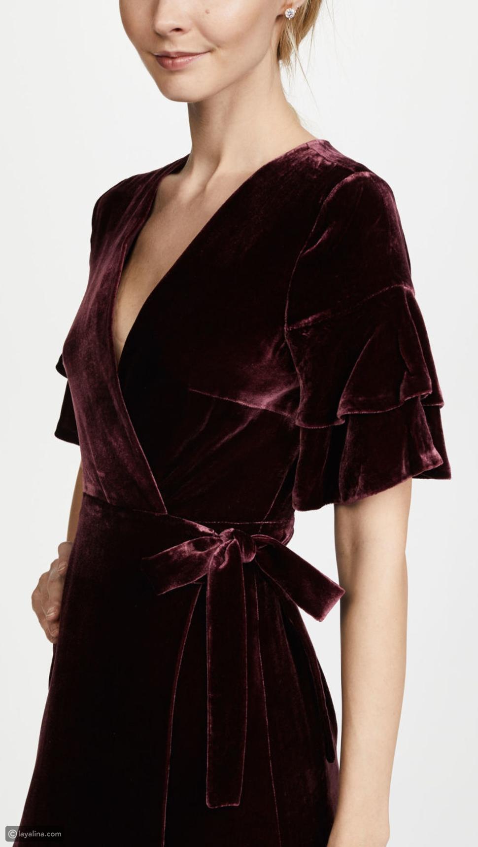 شكل فستان ميغان ماركل من الأمام وصورة واضحة تكشف تصميمه