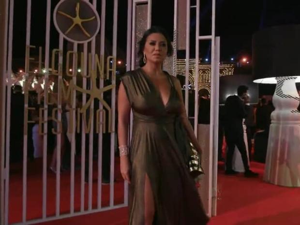 فستان جريء لرانيا يوسف من حفل افتتاح مهرجان الجونة