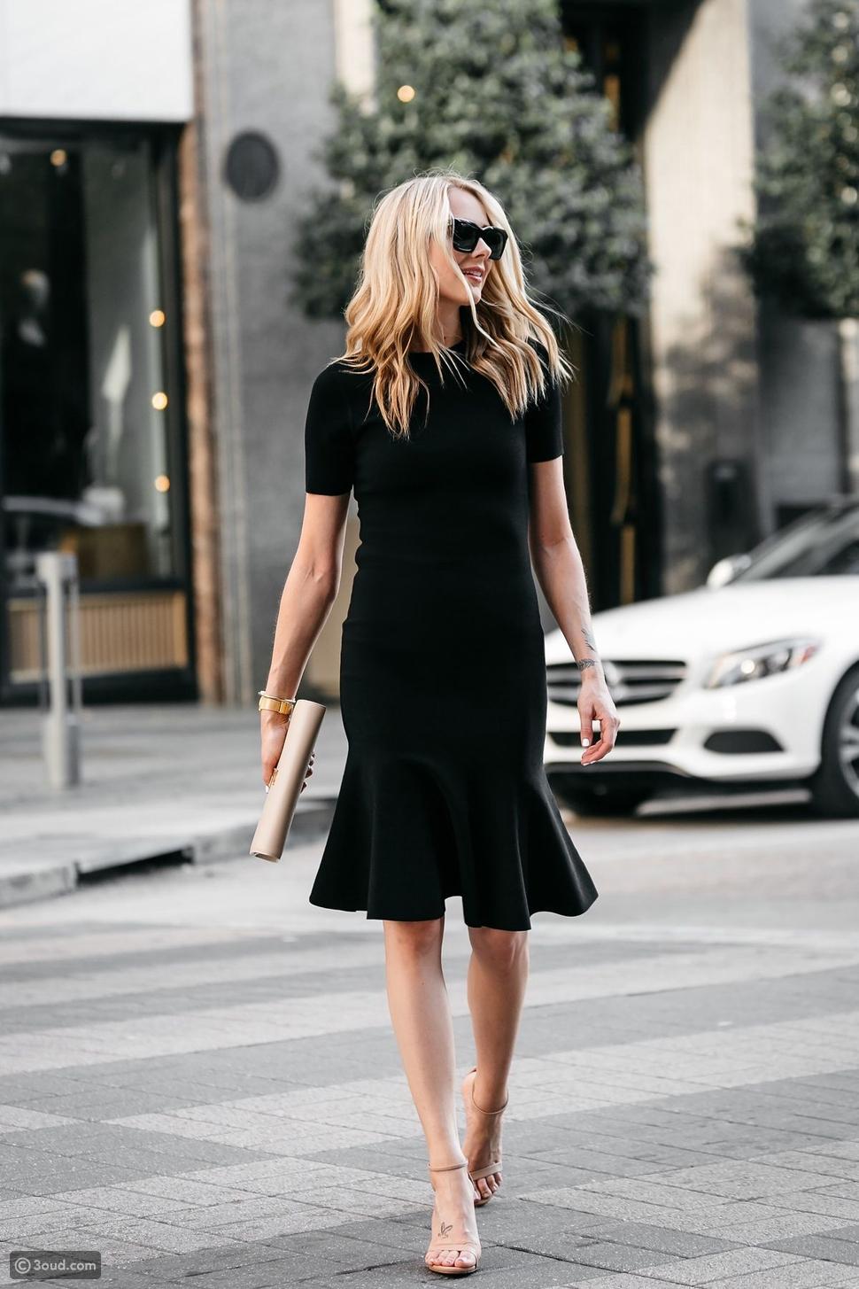 فستان أسود بسيط لإطلالة مناسبة للسهرات