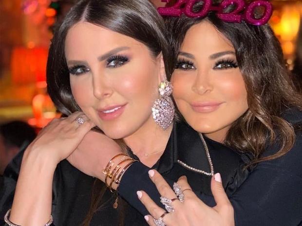 إليسا تحتفل بالعام الجديد 2020 مع شقيقتها في لندن
