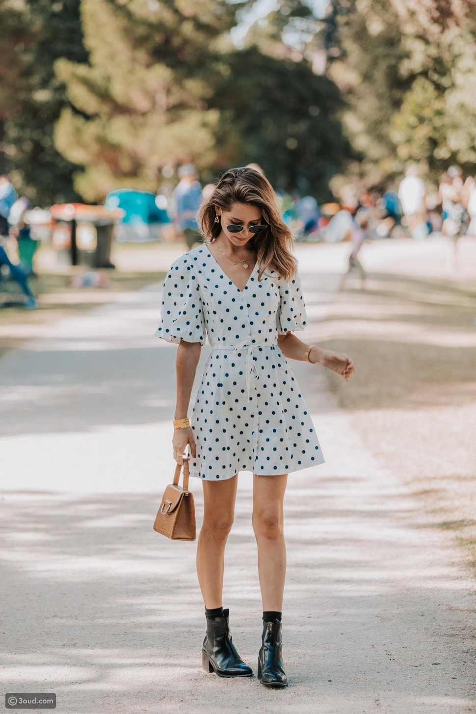 فساتين مزينة بنقاط البولكاPolka-Dot Dresses