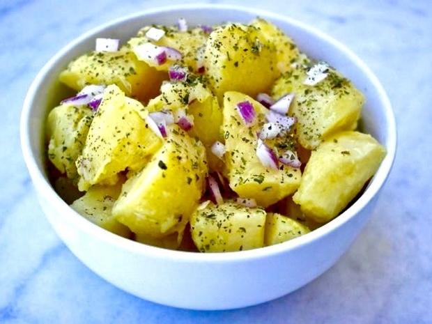 طريقة سلطة البطاطس بدبس الرمان