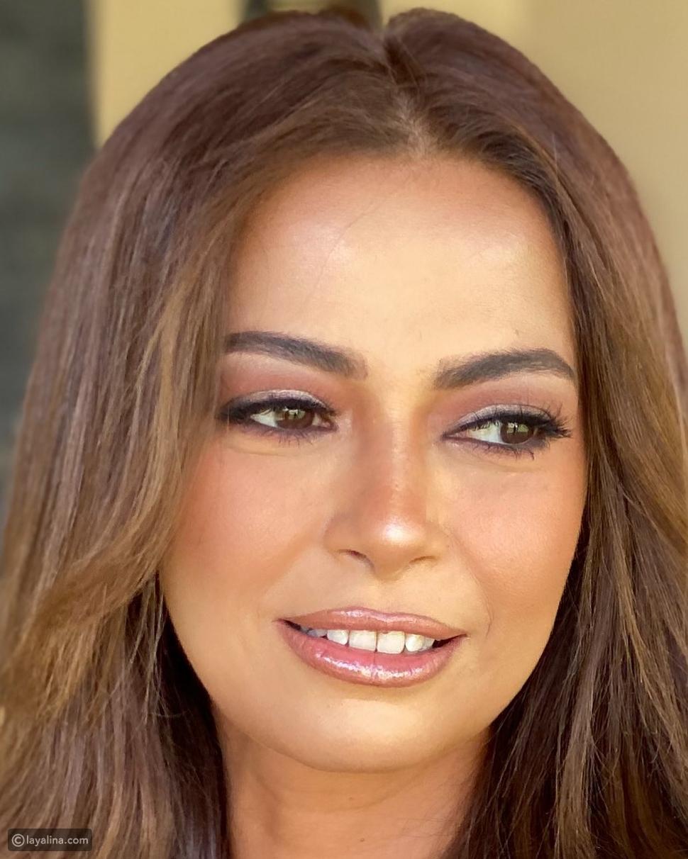 داليا مصطفى تنفي خضوعها لتجميل بصورة مقربة من وجهها