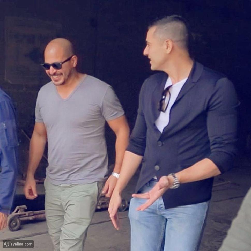 صور أحمد عز بعد عملية التجميل وقصة شعر جديدة.. والجمهور يطالبه بالعودة إلى شكله القديم
