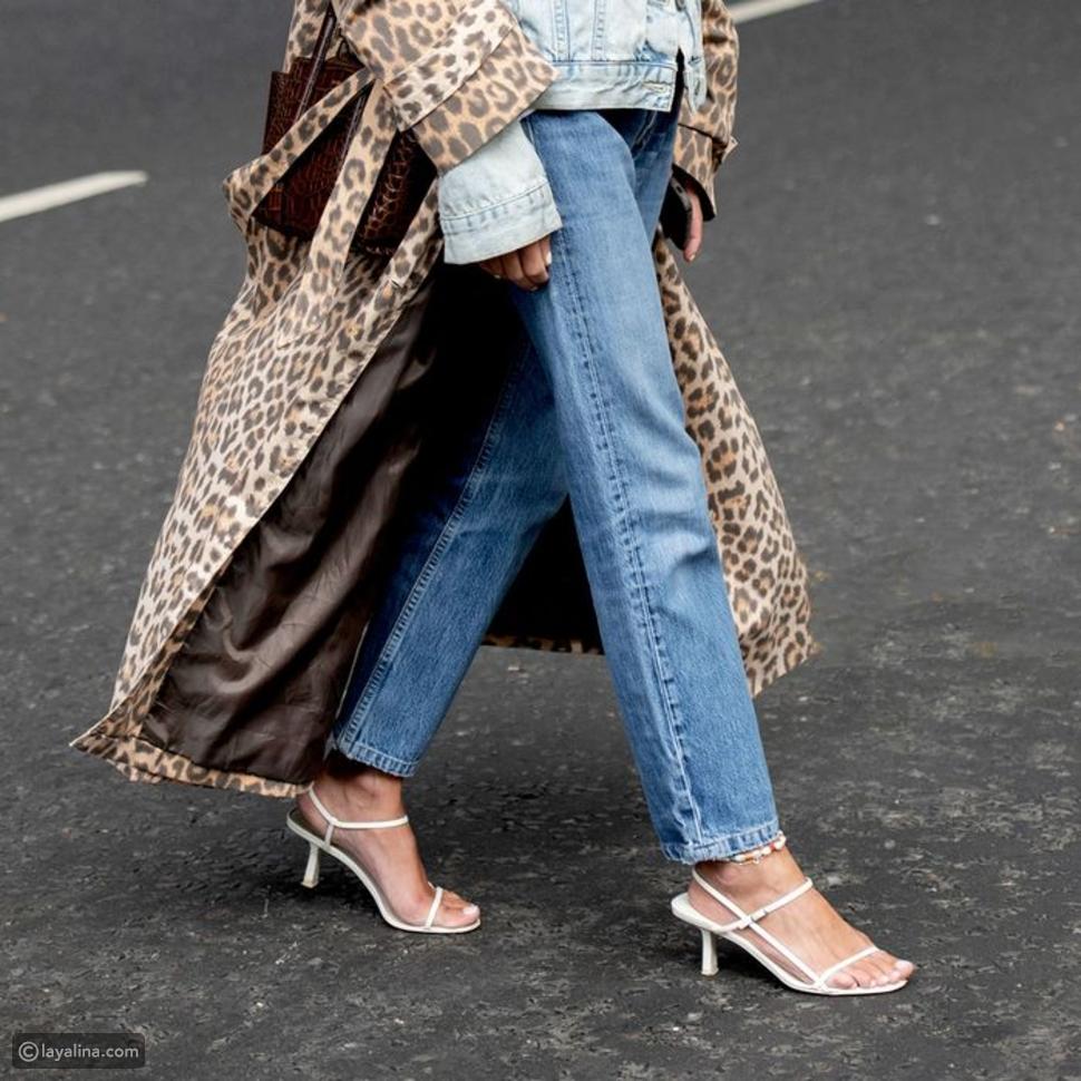 صنادل T-Strap Sandals