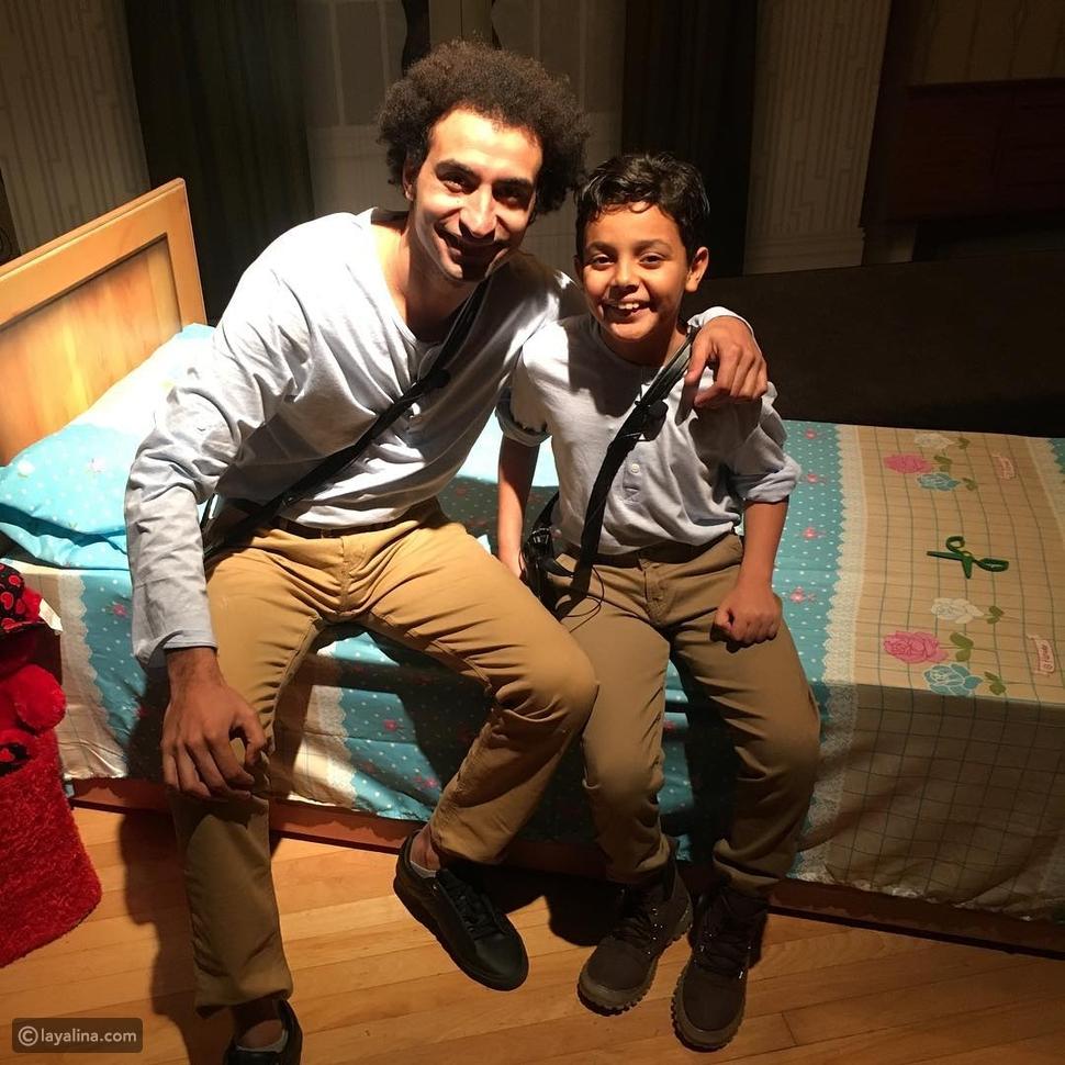 علي ربيع مع أحمد السيسي في كواليس مسرح مصر