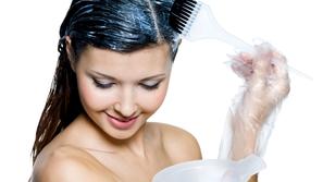 وصفات طبيعية بالحناء لصبغة شعرك في المنزل