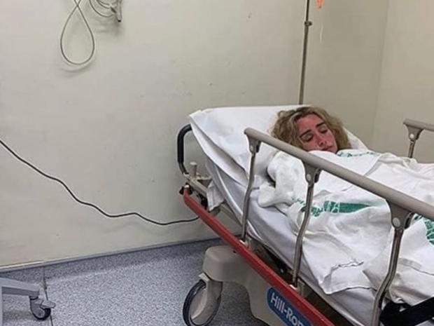 هنا الزاهد ترقد في المستشفى