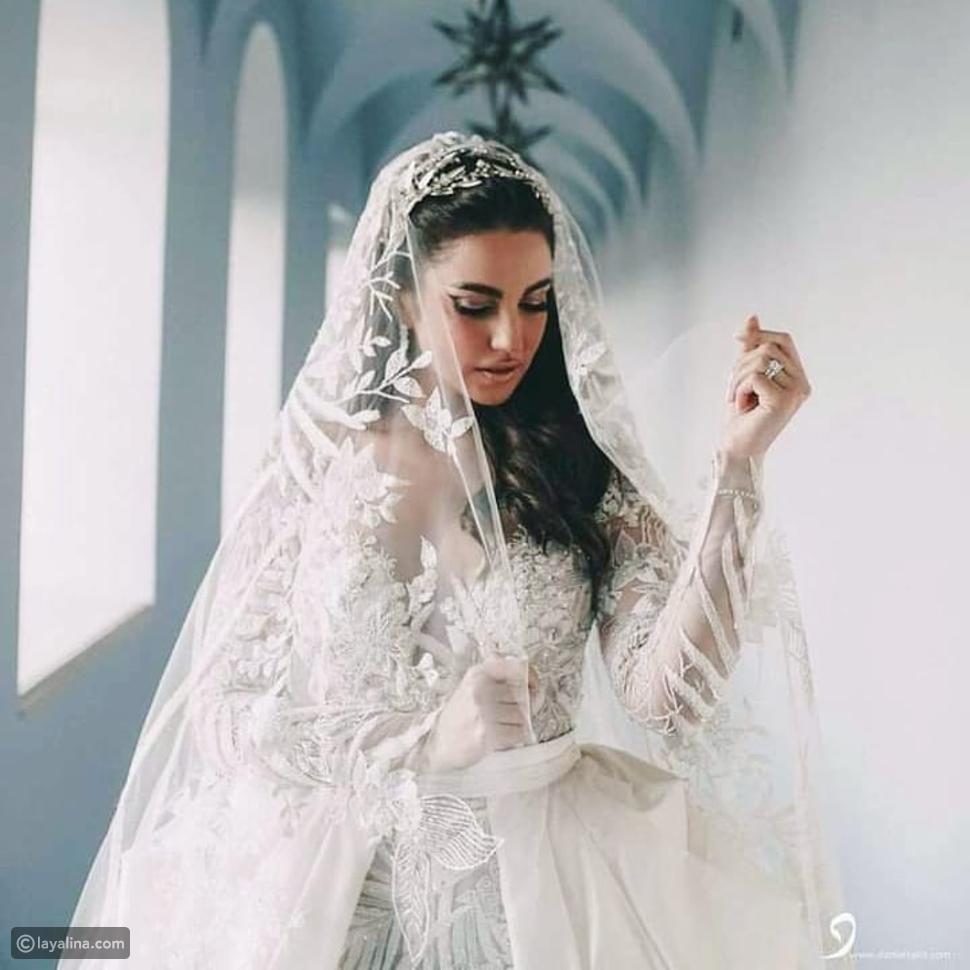 درة في فستان الزفاف