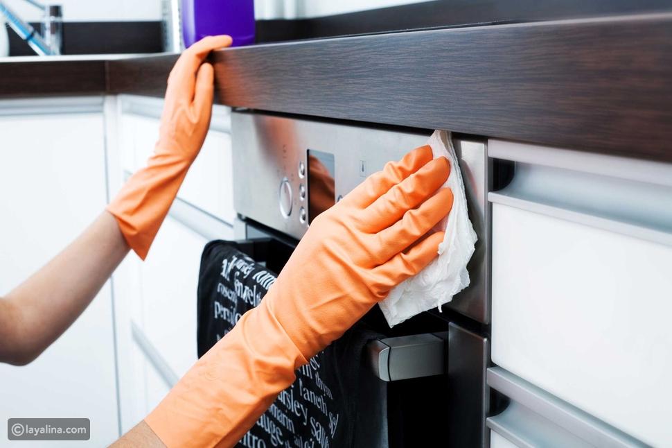 خطوات تنظيف المطبخ من الدهون