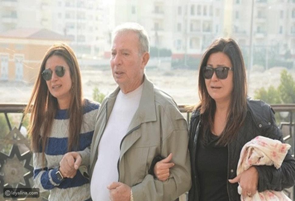 صورة انهيار دينا رامز في جنازة زوجة محمد صبحي تكشف القرابة بينهما