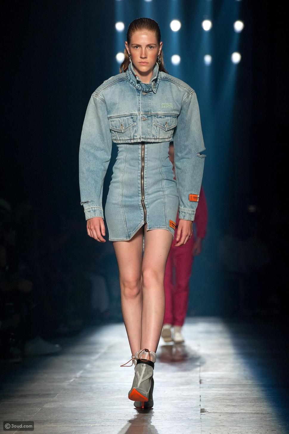 فساتين جينز