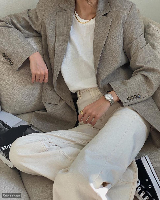 إطلالة باللون الأبيض مع بليزر