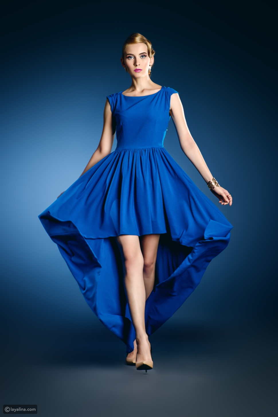 فستان قصير من الأمام وطويل من الخلف
