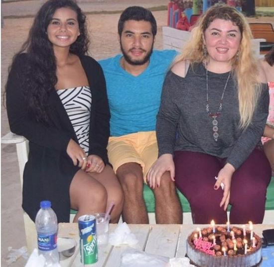 بالصورة: منة عرفة تكشف حقيقة خطوبتها من لاعب رياضي!