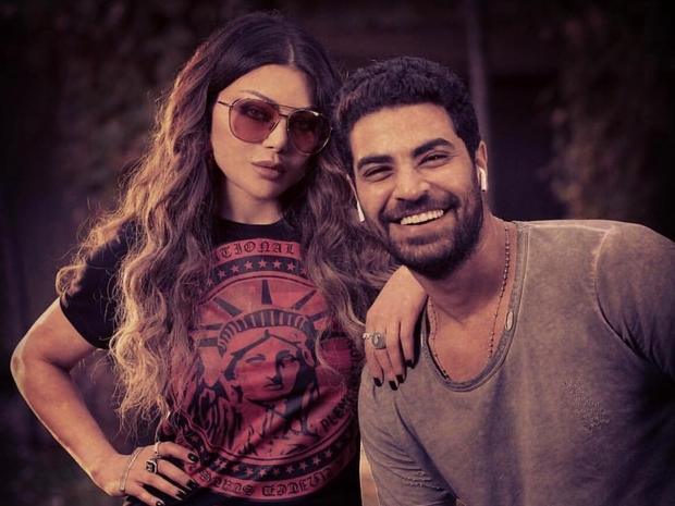 صورة وشم محمد وزيري يحير الجمهور: هل أكد قصة حبه مع هيفاء وهبي؟