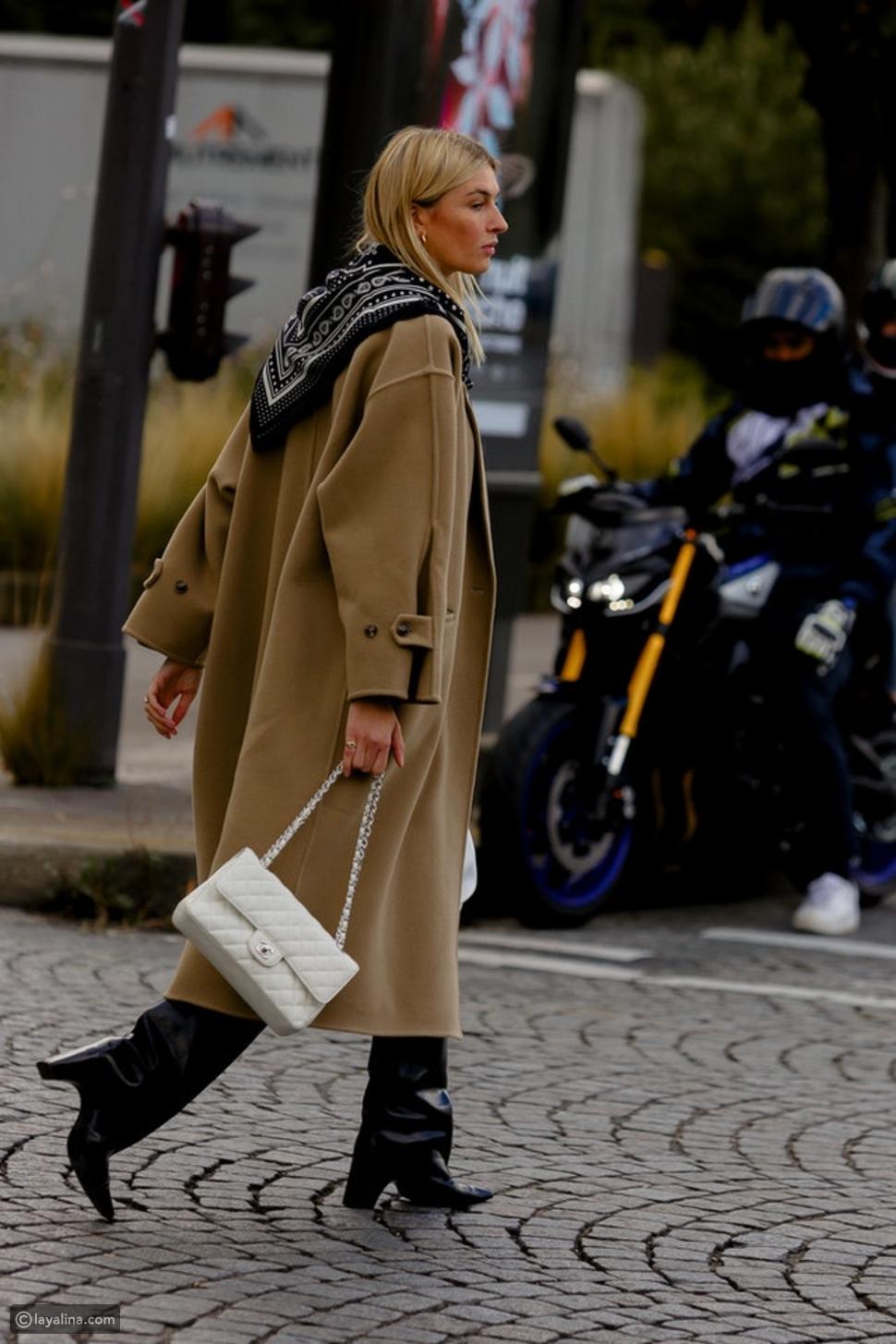 الوشاح مع المعطف