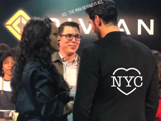 ريهانا وحسن جميل في موعد رومانسي بأحد المطاعم في نيويورك