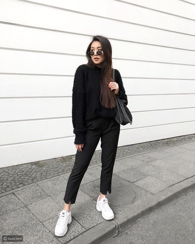أحذية رياضية بيضاء مكتنزة