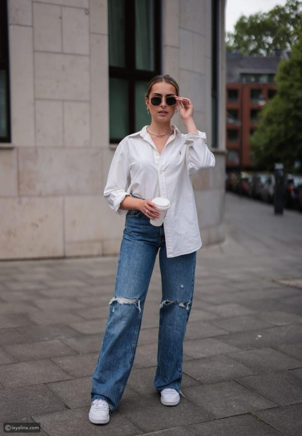 جينز واسع مع قميص أبيض