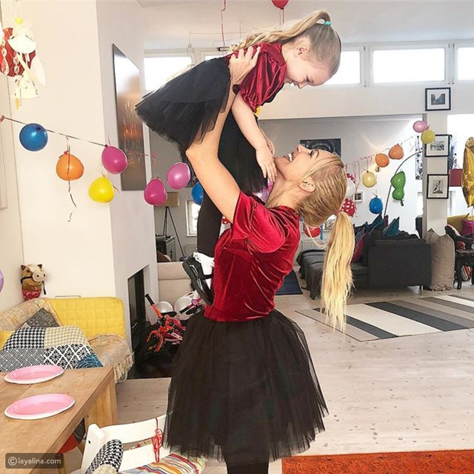 مريم أوزرلي وابنتها لارا بعيد ميلادها