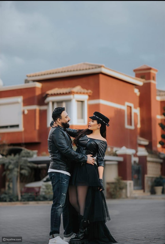 عبير صبري وزوجها يخطفا الأنظار بجلسة تصوير رومانسية