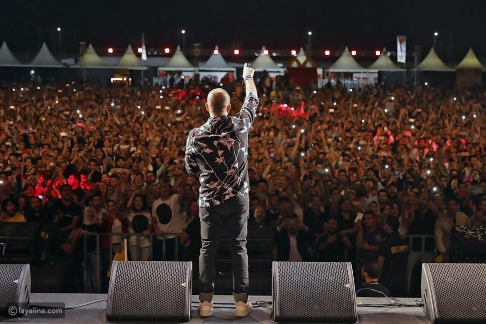 صور: حماقي بنفس قميص عمرو دياب وهذا رأي الجمهور فيه!